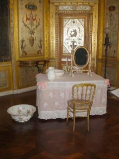 Expo : Napoléon III et Eugénie reçoivent à Fontainebleau - Page 3 Fontainebleau-51%20(Salle%20de%20bains%20Imperatrice%20Eugenie%20-%20Empress%20Eugenie%27s%20bathroom)